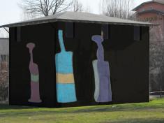 Flavio Favelli progetto di murale (2012) per edificio detto La Casellina  con disegno di Umberto Bergamaschi (Atelier Adriano e Michele, San Colombano al Lambro -MI)